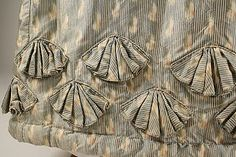 tutorial for pleated scallops  Dress ca. 1820, met museum NY)