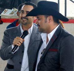 Humberto Morales y Servidor, Miguel Alcázar Cantando en Conferencia de prensa de CRIPCO (Centro de Rehabilitación Integral de Puerto Cortes) Puerto Cortes, Honduras