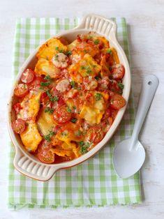 Ravioli (oven)schotel met mascarpone (of cream cheese). Veggie Recipes, Pasta Recipes, Vegetarian Recipes, Healthy Recipes, Ravioli, Tortellini, I Love Food, A Food, Easy Diner