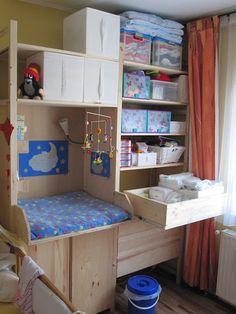 IKEA Hackers: Ivar Babystation baby changing and storage extraordinnaire! Ikea Hacks, Ivar Regal, Ikea Nursery, Nursery Ideas, Project Nursery, Small Space Nursery, Baby Changing Station, Small Space Organization, Nursery Organization