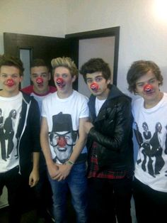 Fun Stuff From One Direction On Red Nose Day #Fun #OneDirection #RedNoseDay #Entertainment #AskaTicket