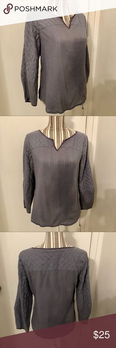Sundance Catalog gray  quilted tunic size XS boho Cute quilted sleeve gray cotton tunic by Sundance Catalog size XS. No holes or stains  gently used .lightweight style Sundance Tops Tunics