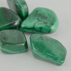 Malachit velký, tamblovaný, mix Types Of Crystals, Stones And Crystals, Minerals And Gemstones, Fossils, Chakras, Natural Stones, Tarot, Shells, Rock