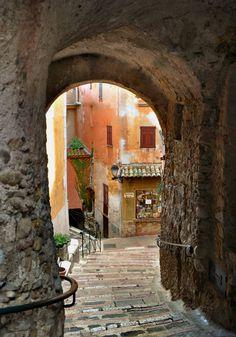 provencetoujours:    Après la voûte, Roquebrune - Pinterest pic picks by RetoxMagazine.com #france