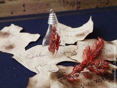 """Кулоны, подвески ручной работы. Ярмарка Мастеров - ручная работа. Купить Подвеска """"Осень"""" в стеклянной баночке-лампочке. Handmade. бутылочки"""