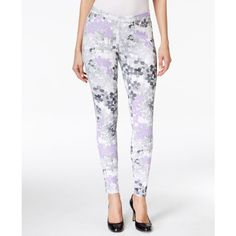 Hue Floral Denim Leggings ($15) ❤ liked on Polyvore featuring pants, leggings, grey, gray leggings, gray jeggings, jeggings leggings, pull on pants and hue jeggings