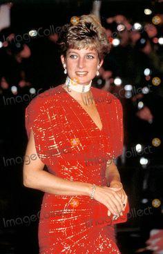 "nov 1991 "" Hot Shots"" Premiere Photo: Steve Finn-alpha-Globe Photos Inc"