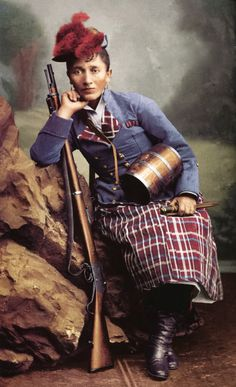 "An armed ""cantinera"", a female soldier supporting chilean troops in the war against Peru and Bolivia , poses with her Martini-Henry rifle [[MORE]] This cantinera is Irene Morales Infante, considered a. Pablo Neruda, American Civil War, American History, Martini Henry Rifle, Daughter Of The Regiment, War Of The Pacific, Military Officer, Female Soldier, Latin America"