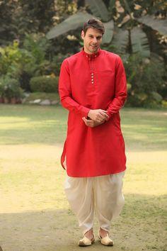 40 Top Indian Engagement Dresses for Men - Prom Dresses Design Engagement Dress For Groom, Wedding Dress Men, Engagement Dresses, Wedding Suits, Wedding Groom, Wedding Attire, Dhoti Pants For Men, Kurta Men, Kurta Pajama Men