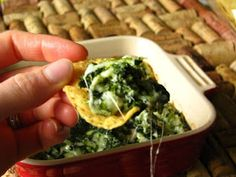 Hot & Skinny Spinach Dip: with Greek yogurt, Parmesan and mozzarella should be a {fp}