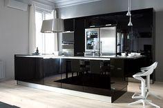 Animarse al negro en la cocina puede ser una opción interesante...