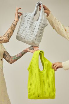 Phyllis Chan and Suzzie Chung have launched a new line of sustainable knits, inspired by their Chinese grandmothers. Ying Gao, Hongkong, Net Bag, Knitwear Fashion, Womens Knitwear, Chinese Clothing, Rag And Bone, Traditional Dresses, Modern