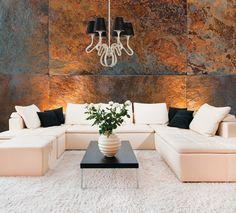 #Salon de style #contemporain avec #chandelier. / #Contemporary #livingroom with #chandelier.