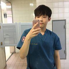 Dân mạng săn lùng chàng thực tập sinh Hàn Quốc điển trai tại Bệnh viện Đại học Y Dược Huế - Ảnh 8.