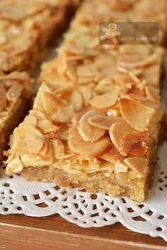 Almond recipes - Honey Almond Slices again! Almond Recipes, Baking Recipes, Cookie Recipes, Dessert Recipes, Almond Tart Recipe, Almond Meal, Almond Flour, Honey Almonds, Sliced Almonds