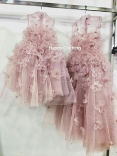 Ideas baby girl party outfit kids for 2019 — Baby Pins Girls Party Outfits, Baby Girl Party Dresses, Party Dress Outfits, Little Girl Dresses, Girl Outfits, Flower Girl Dresses, Baby Party, Dress Party, Gowns For Girls