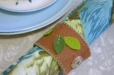 DIY Tutorial: DIY Thanksgiving / DIY Felt Napkin Rings for Your Holiday Table - Bead&Cord