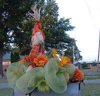 The Wreath Artist: Deco Mesh Mail Box Wreath