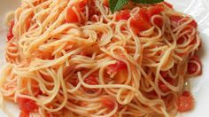 Recipes Good Food: Tomato and Garlic Pasta