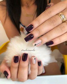 Este posibil ca imaginea să conţină: unul sau mai mulţi oameni, inel şi cadru apropiat Trendy Nails, Cute Nails, My Nails, Drip Nails, Acrylic Nails, Nail Polish Designs, Nail Art Designs, Beauty Nails, Diy Beauty