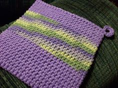 FREE crochet Potholder tutorial - its double thick - but only crocheted once.