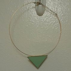 Forever 21 Choker Necklace Forever 21 green and gold choker necklace. Only worn once. Clasp works and is in good shape. Forever 21 Jewelry Necklaces