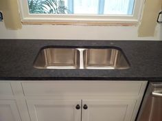 It's beautiful! Read these 10 recommended pointers all about Porcelain Countertops, Black Granite Countertops, Cheap Countertops, White Granite, Countertop Options, Countertop Materials, Kitchen Slab, Denver, Leather Granite