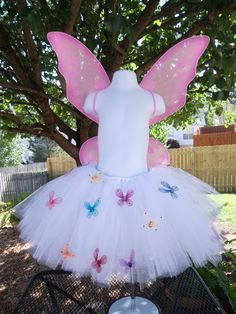 love the idea of butterflies on the tutu, although i don't like butterflies.