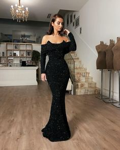 Timeless ✨ in black dress. Elegant Dresses For Women, Sweet 16 Dresses, Black Prom Dresses, Tight Dresses, Nice Dresses, Dress Black, Red Carpet Dresses 2016, Prom Outfits, Event Dresses