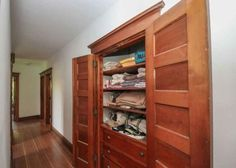 Historic 1910 home in the Broadway District. Built in linen closet.