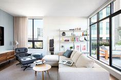 Post: Fántastico apartamento – loft en Vancouver, Canadá --> apartamento canadá, apartamento loft vancouver, decoración nórdica, diseño exteriores, diseño interiores, eames lounche, estilo escandinavo, lámpara gubi, loft con terraza, kitchen desing, urban loft, hygge, terraza, duplex