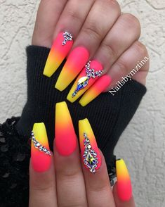 If you start thinking about what kind of nail design you want this year, why not consider neon nail art designs? It's a trend we can't get rid of because they look cool. The advantage of neon nails is that you can mix different designs together. Bright Summer Acrylic Nails, Best Acrylic Nails, Bright Nails Neon, Neon Nail Art, Acrylic Nails Coffin Ombre, Bright Nail Art, Nail Pink, Colorful Nail Art, Acrylic Gel