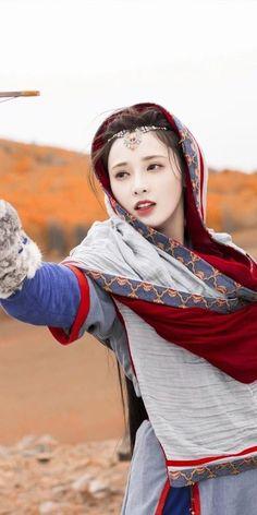Hanfu, Lotus Flower, Character Inspiration, Winter Hats, Actresses, Costumes, Princess, Dramas, Chinese