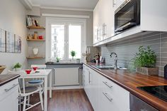 How to make a perfect long narrow kitchen design? creative idea for solving the problem of narrow kitchen designs for cabinets and narrow kitchen island Long Narrow Rooms, Long Narrow Kitchen, Narrow Kitchen Island, Long Kitchen, Cute Kitchen, Little Kitchen, White Kitchen Cabinets, New Kitchen, Kitchen Dining