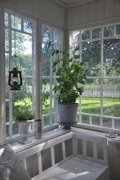 Vita Verandan - Inside Swedish glassed porch