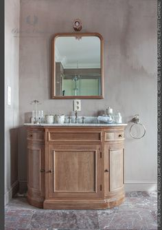 Bathroom in a small castle done with Fresco Lime Paint - Kalkverf. Color Old Rose by www.pure-original.com