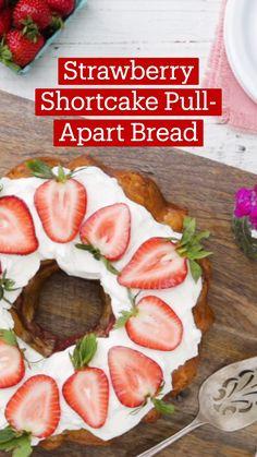 Strawberry Recipes, Fruit Recipes, Sweet Recipes, Dessert Recipes, Fun Baking Recipes, Cooking Recipes, Tastemade Recipes, Bolo Cake, Summer Desserts