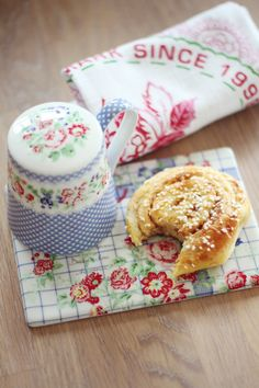 Bon apetit with sugar shaker Ivy Blue from GreenGate