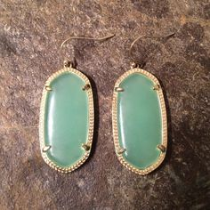 Kenda Scott Earrings Kendra Scott Earrings.  Previously loved in great condition. Comes with Kendra Scott pouch. Kendra Scott Jewelry Earrings