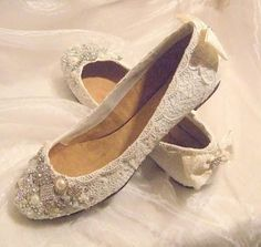 vintage lace wedding shoes - love these