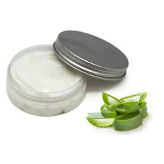 5 Natural Kitchen Healers You Can't Live Without! Aloe Vera Hair Growth, Aloe Vera For Hair, Aloe Vera Gel, Dog Treat Recipes, Healthy Dog Treats, How To Apply Lipstick, Best Beauty Tips, Homemade Beauty Products, Do It Yourself Home