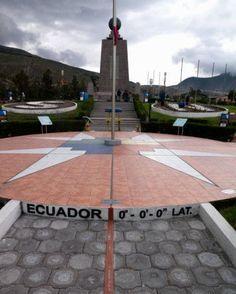 Monumento Mitad del Mundo en #Quito Ecuador