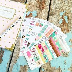 Who loves to plan with stickers?  They make life so much more festive! : @theplannersociety
