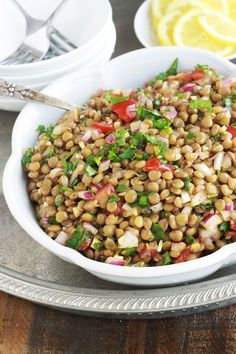 This Moroccan lentil salad is deliciously scented with cumin, coriander and mint. Very simple and easy to do. Composed of lentils, tomatoes, onion and a simple vinaigrette. - Pctr UP Healthy Appetizers, Healthy Foods To Eat, Healthy Dinner Recipes, Healthy Eating, Grilling Recipes, Salad Recipes, Dog Food Recipes, Lentil Salad, Grilled Meat