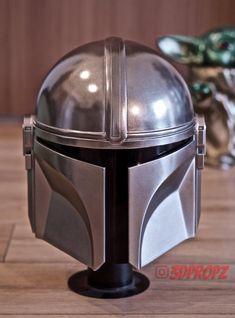 I Printed and Painted The Mandalorian Helmet Clone Trooper Helmet, Star Wars Helmet, Skull Helmet, Helmet Tattoo, Mandalorian Costume, Mandalorian Armor, Capacete Boba Fett, Helmet Drawing, Elmo