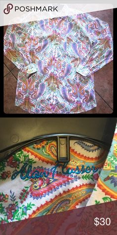 Gently used and gorgeous! Beautiful Paisley Print Button Down was gently used and is still in perfect condition! 100% Cotton Alan Flusser Shirts Casual Button Down Shirts