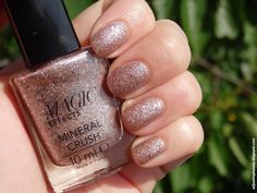 Another of Avon Magic Effects ranges called Mineral Crush. It's glittery sand fi. Rose Quartz Nails, Agate, Popular Nail Art, Nail Polish Collection, Pearl Hair, Avon, Silver Glitter, Pink And Gold, My Nails