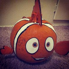 Well, maybe everyone's second favorite fish. | 25 Disney Pumpkins That Will Get You In The Halloween Spirit