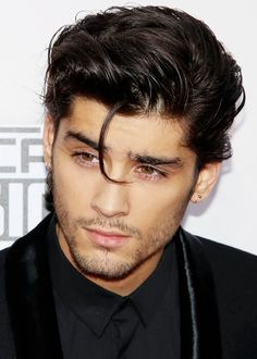 He's so hot can't even think about I would be with out him Zayn Malik # hotterst guy I ever seen ❤️❤️😍 Estilo Zayn Malik, Zayn Malik Hairstyle, Prince Hair, Zayn Mallik, Ex One Direction, Zayn Malik Photos, Hair Strand, Bad Boys, Pretty People