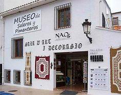 Museo de Saleros y Pimenteros de Guadalest: Fachada Trip Advisor, Broadway Shows, Art, Spain, Guestbook, Salt Shakers, Christmas Themes, Beautiful Things, Museums